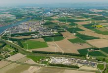 The 22-unit wind farm is well integrated in the industrial and agricultural environment of Zeeuws Vlaanderen. (Picture: Deutsche Windtechnik)