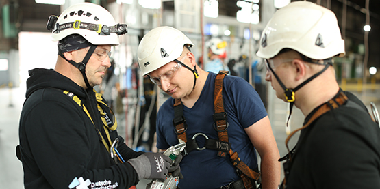 Training Arbeitssicherheit im Training Center der Deutschen Windtechnik