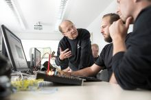 Knowledge transfer as the basis for competitive service (Photo: Deutsche Windtechnik)
