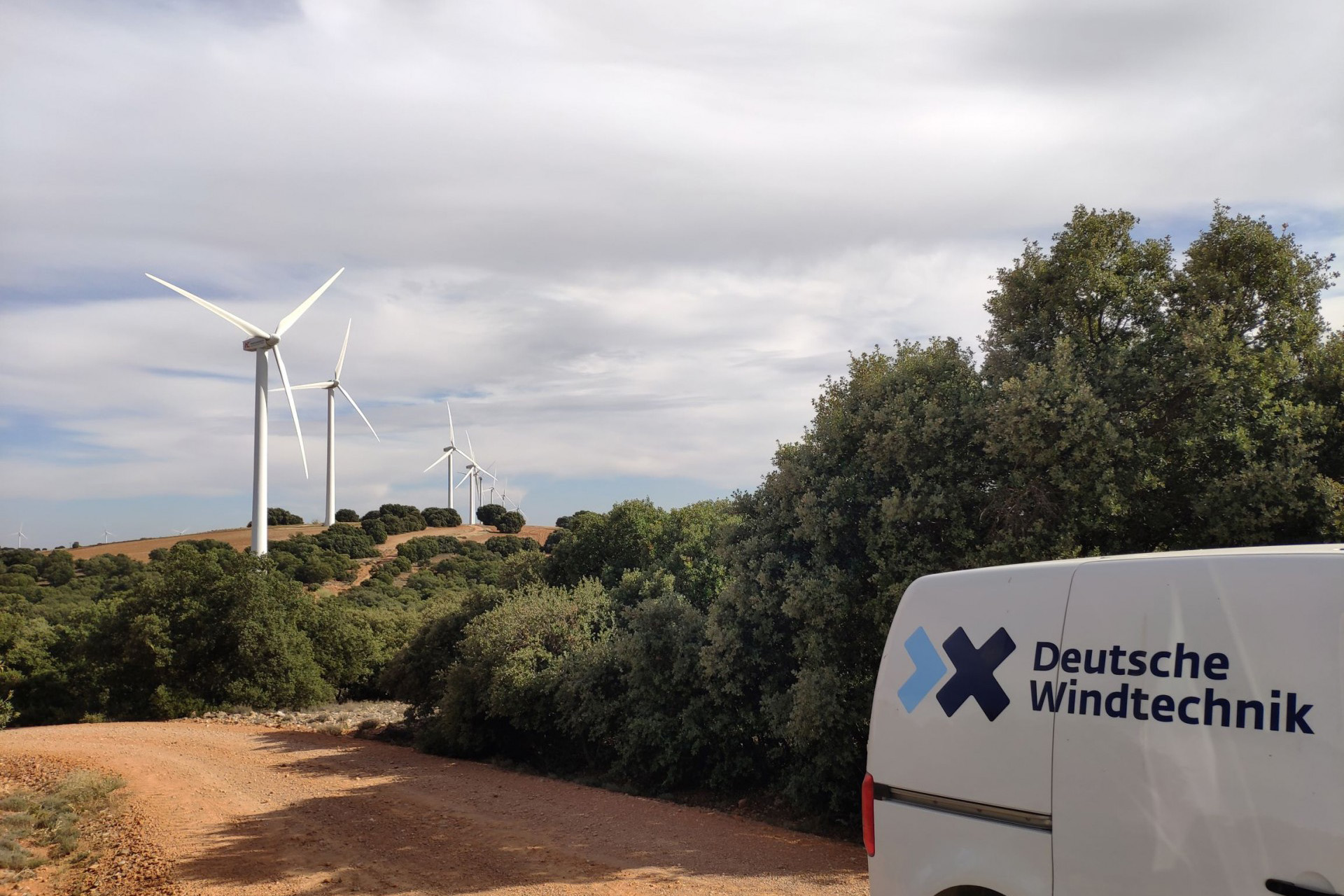 Spanish survey on wind turbine maintenance services shows that ISPs achieve the best results – Deutsche Windtechnik gets excellent rating